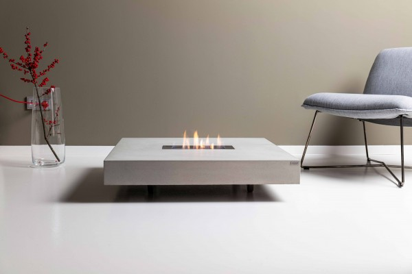 tabula ignis | Concrete lounge table with fireplace