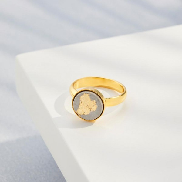 Finger-Ring Grey Gold | by Concrete Jungle